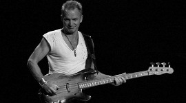 Sting and His Ratty Old 1955 Bass par Scott Ableman cc: by-nc-nd/2.0/